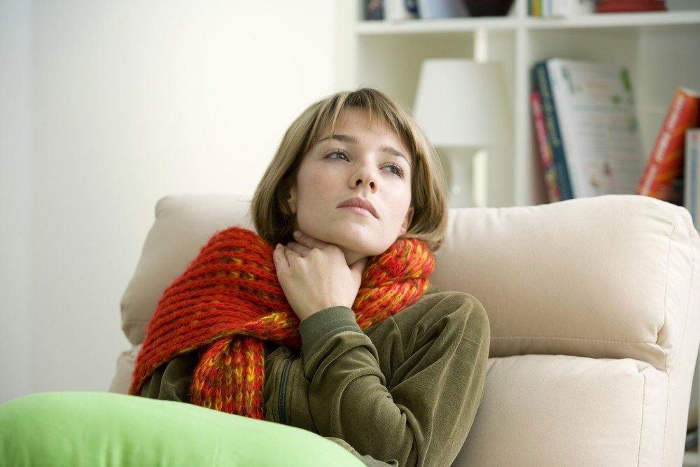 Kaip numalšinti gerklės skausmą be vaistų?