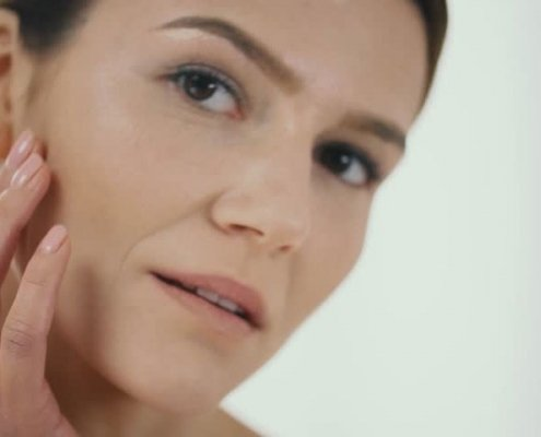 Kosmetinio veido masažo poveikis brandžiai odai
